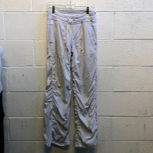 Lululemon light gray lined studio pant sz 6 62683
